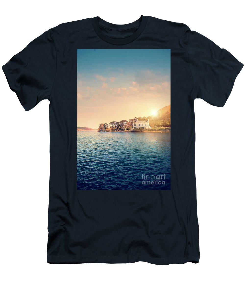 House Men's T-Shirt (Athletic Fit) featuring the photograph House By A Lake At Sunset by Lee Avison