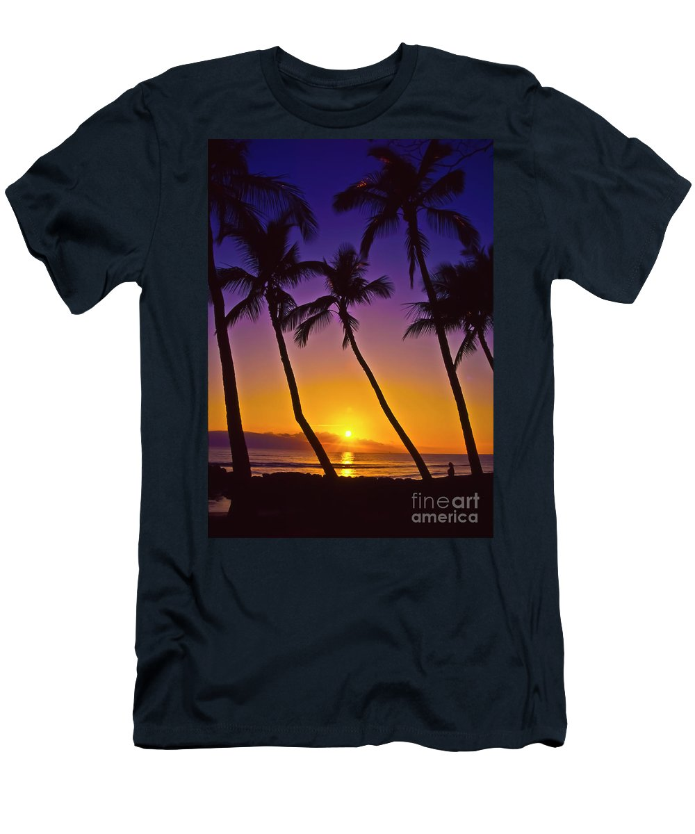 Sunset Men's T-Shirt (Athletic Fit) featuring the photograph Launiupoko Sunset by Jim Cazel
