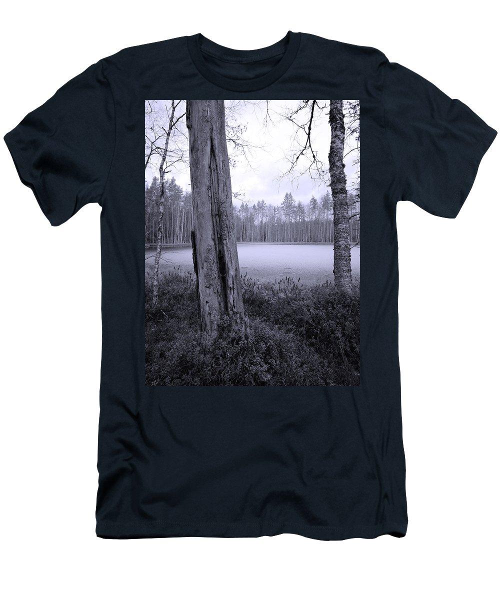 Lehtokukka Men's T-Shirt (Athletic Fit) featuring the photograph Liesilampi 4 by Jouko Lehto
