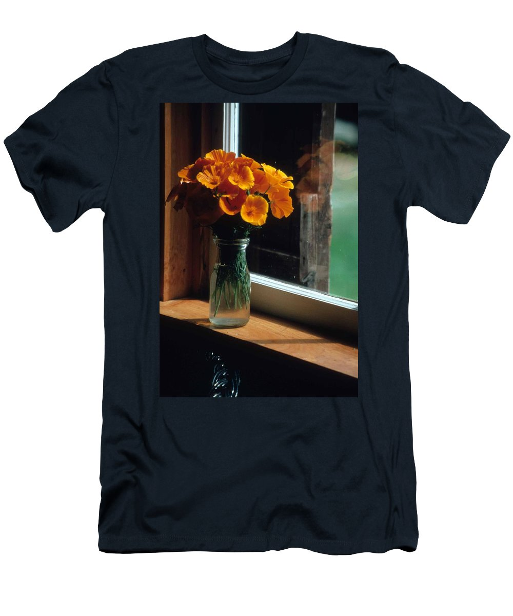 Maine Windowsill Men's T-Shirt (Athletic Fit) featuring the photograph Maine Windowsill by Laurie Paci