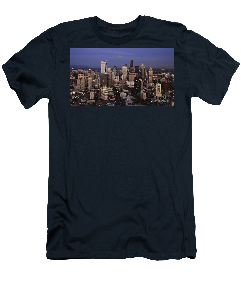 Seattle Men's T-Shirt (Athletic Fit) featuring the photograph Moon Over Seattle by David Lee Thompson