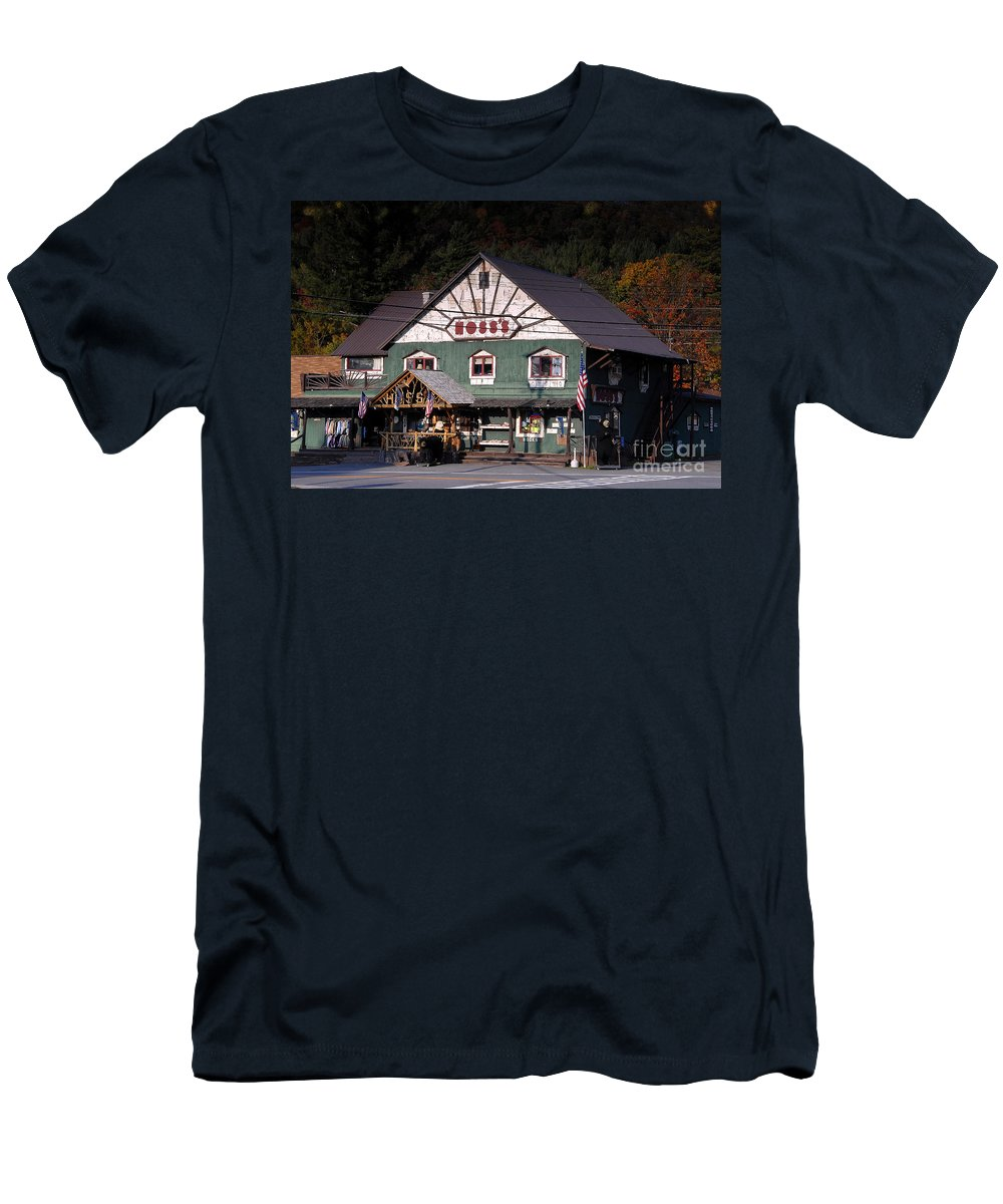 Old Store Men's T-Shirt (Athletic Fit) featuring the photograph Old Hoss's by David Lee Thompson
