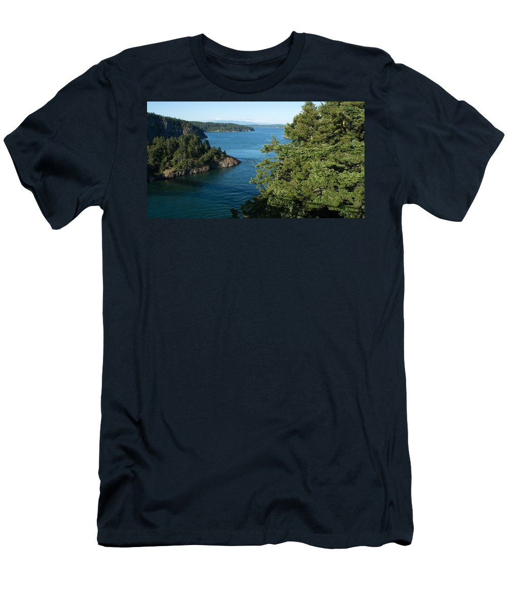 Washington Men's T-Shirt (Athletic Fit) featuring the photograph Puget Sound by Linda Kerkau