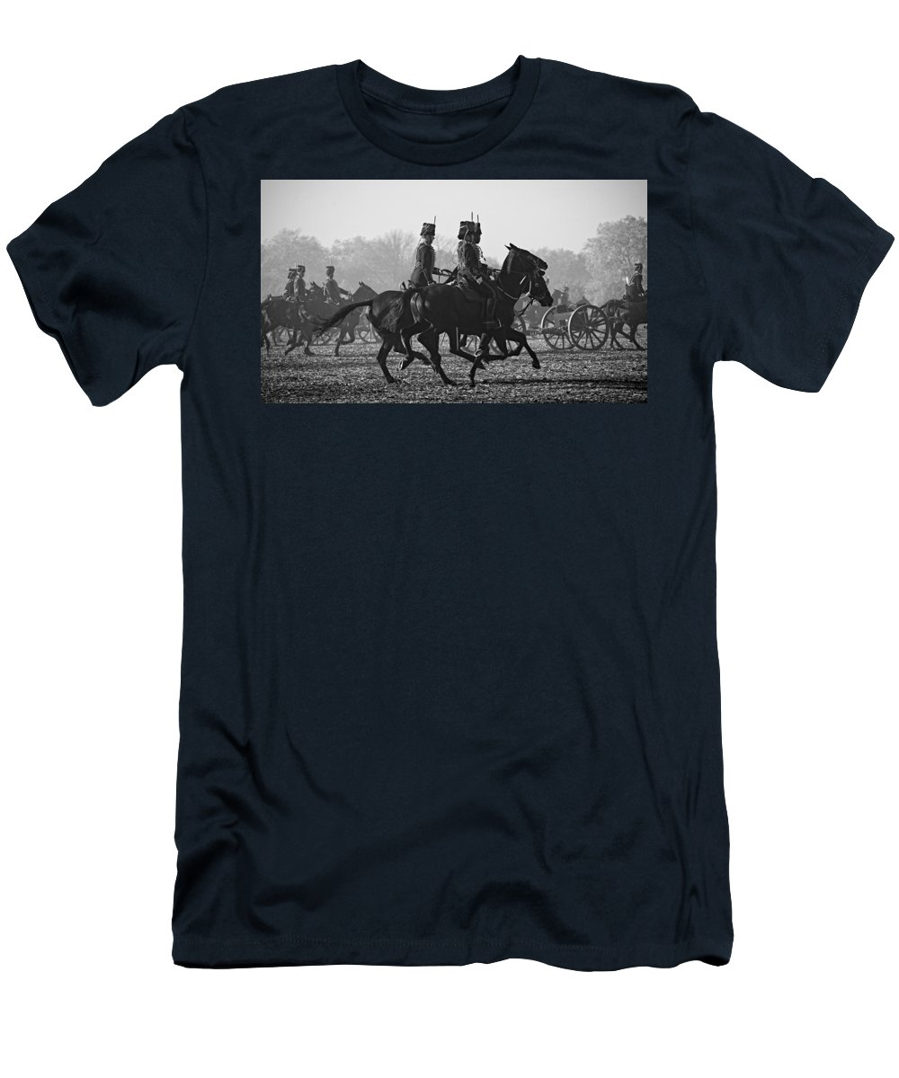 13 Pounder Men's T-Shirt (Athletic Fit) featuring the photograph Royal Horse Artillery by Roy Pedersen