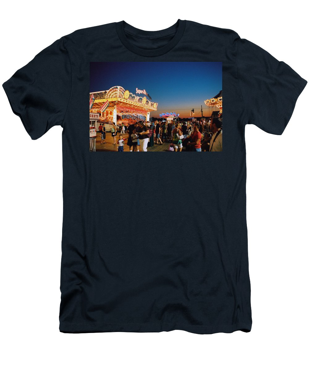 Board Walk Men's T-Shirt (Athletic Fit) featuring the photograph Super Himalaya by Steve Karol