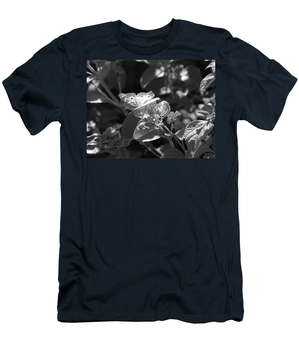 Black And White Men's T-Shirt (Athletic Fit) featuring the photograph The Eagle Has Landed by Rob Hans