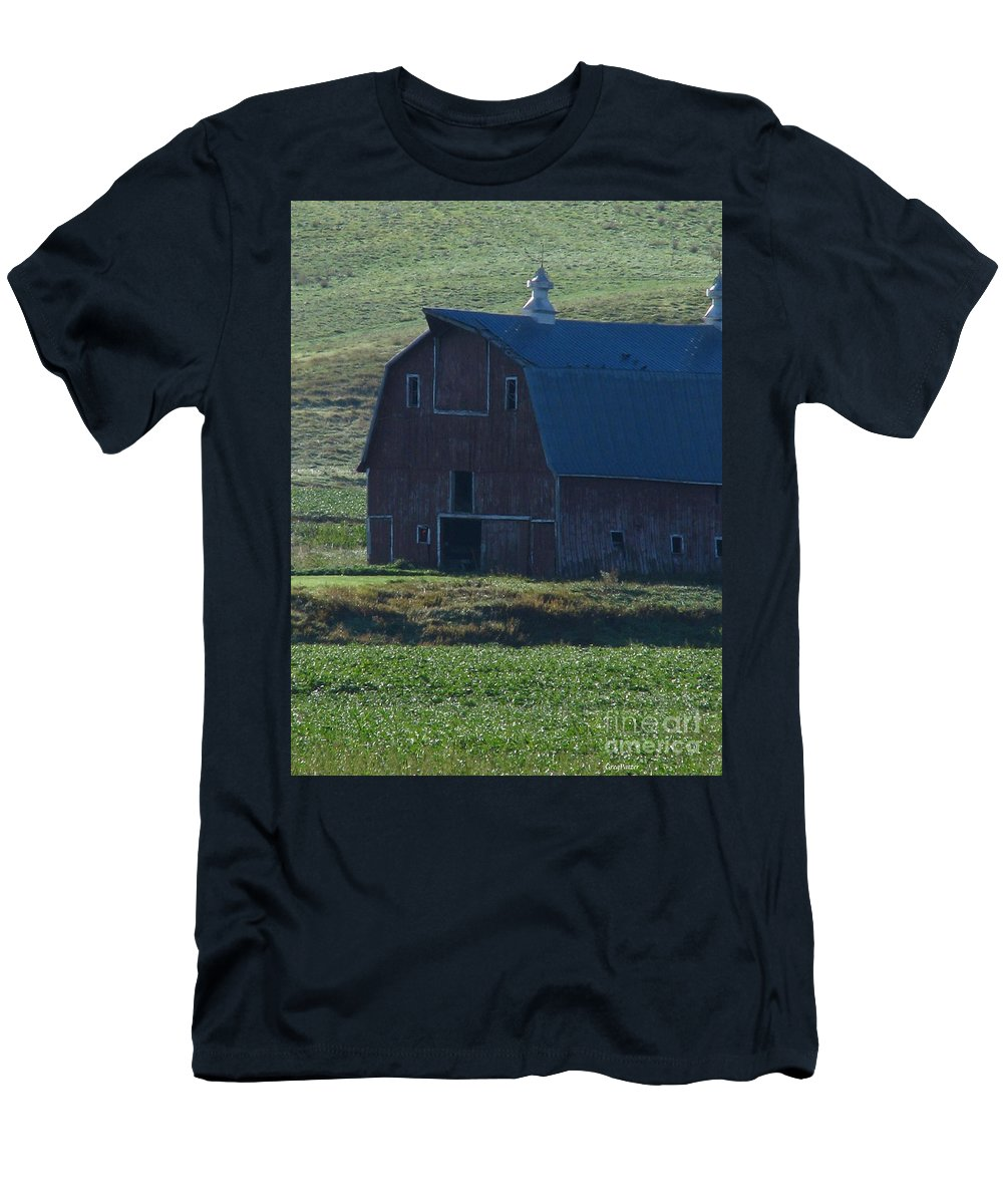 Old Barn Men's T-Shirt (Athletic Fit) featuring the photograph The Old Style by Greg Patzer