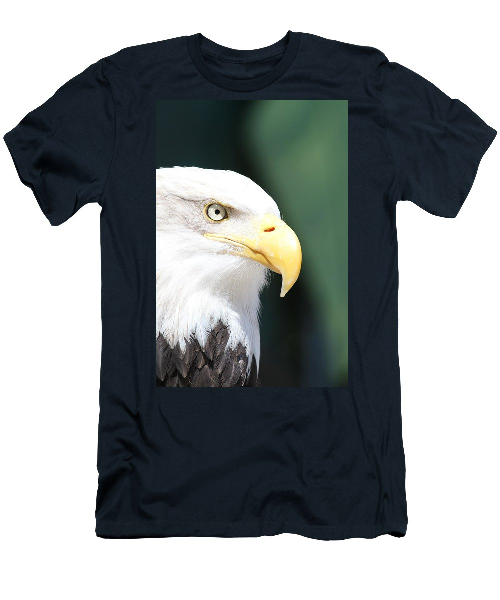 Eagle Men's T-Shirt (Athletic Fit) featuring the photograph Zeroed In by Laddie Halupa