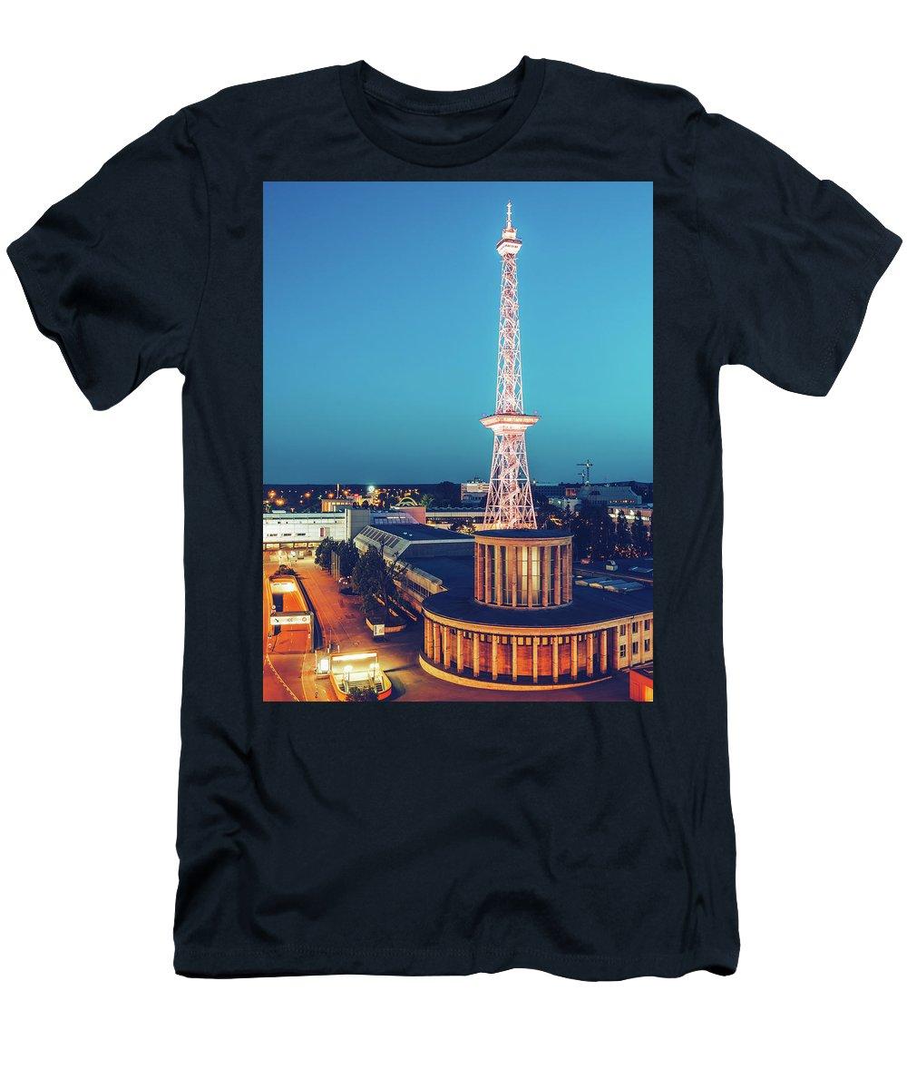 Berlin Men's T-Shirt (Athletic Fit) featuring the photograph Berlin - Funkturm by Alexander Voss