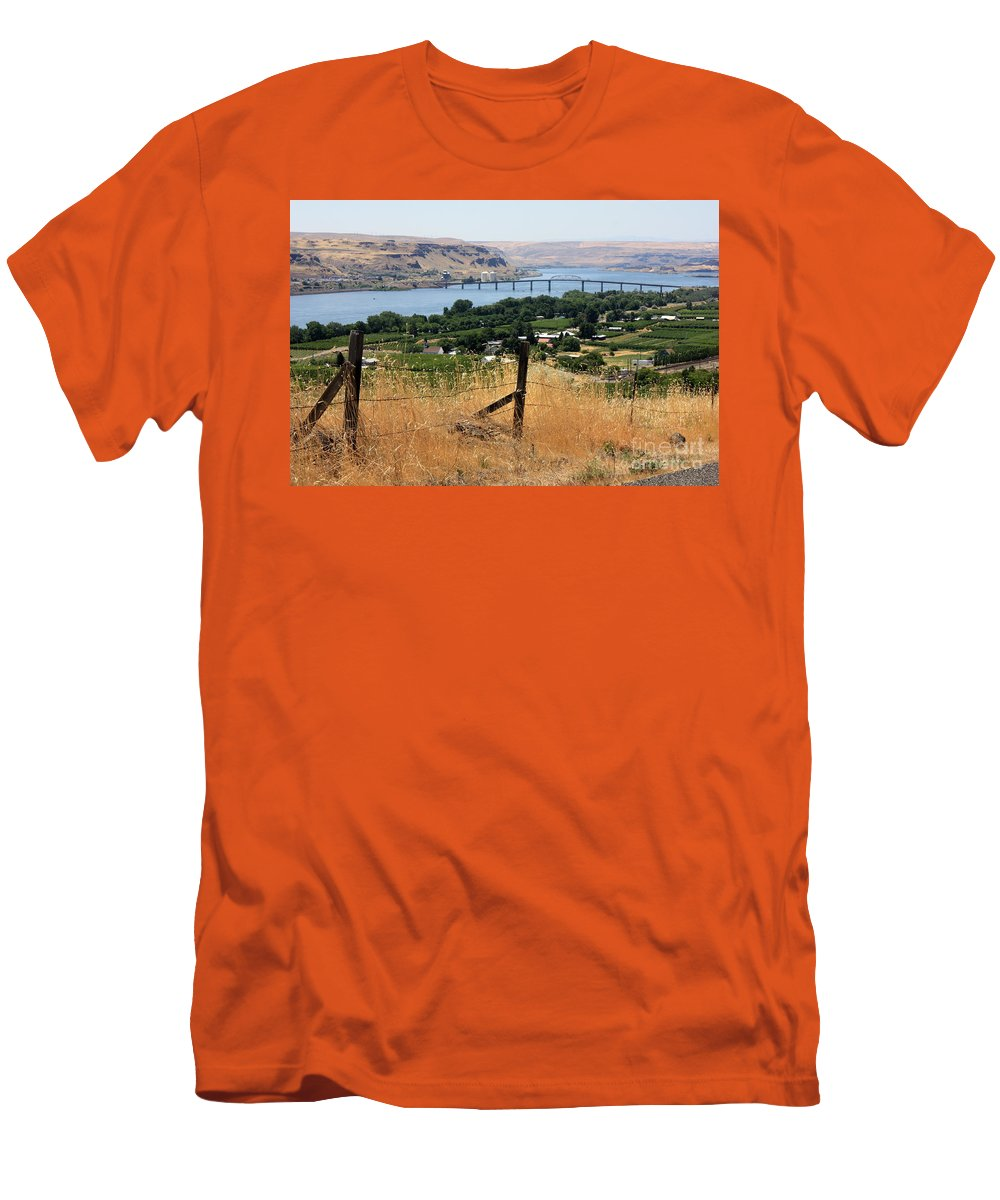 River Men's T-Shirt (Athletic Fit) featuring the photograph Columbia River - Biggs And Maryhill State Park by Carol Groenen