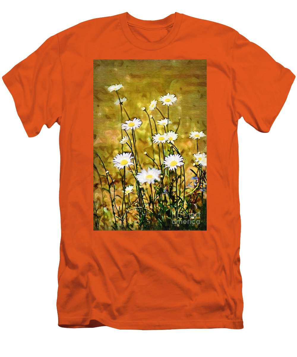Daisy Men's T-Shirt (Athletic Fit) featuring the photograph Daisy Field by Donna Bentley