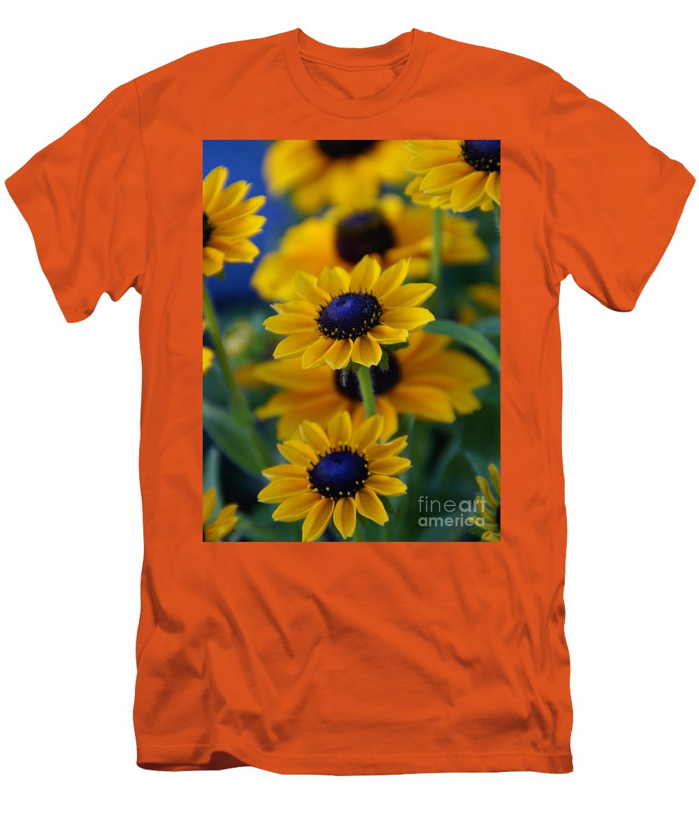 Yellow Men's T-Shirt (Athletic Fit) featuring the photograph Royal Blue by Linda Shafer