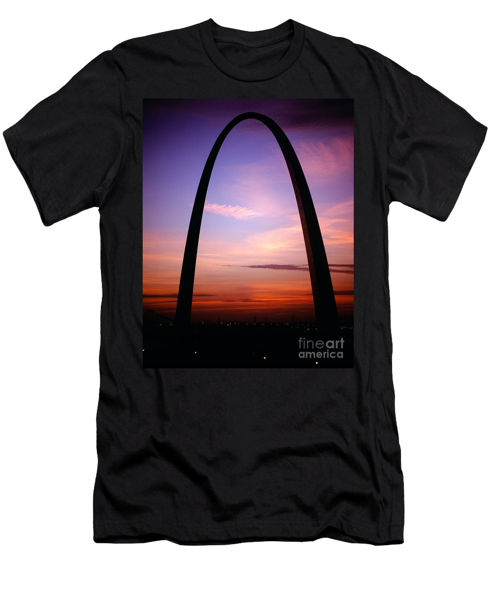 Gateway Arch Men's T-Shirt (Athletic Fit) featuring the photograph Gateway Arch Sunrise by Tracy Knauer