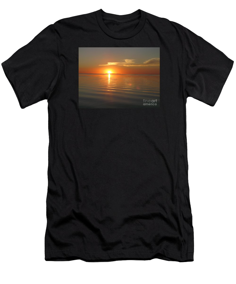 Afterglow Men's T-Shirt (Athletic Fit) featuring the photograph Afterglow by Christiane Schulze Art And Photography