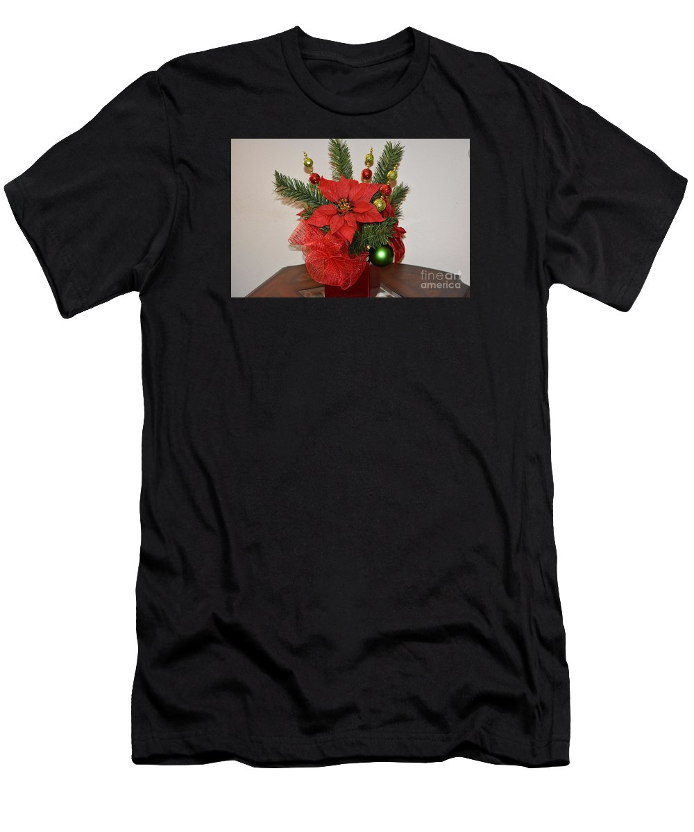 Christmas Centerpiece Prints Men's T-Shirt (Athletic Fit) featuring the photograph Christmas Centerpiece by Ruth Housley