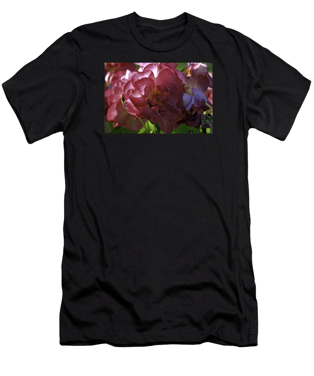 Seattle Men's T-Shirt (Athletic Fit) featuring the photograph Red Rose by Paul Shefferly