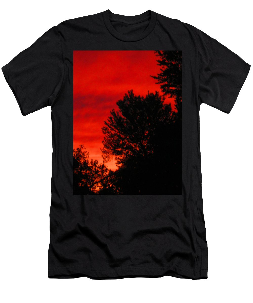 Sunset Men's T-Shirt (Athletic Fit) featuring the photograph Sailors Delight by Samantha Storment
