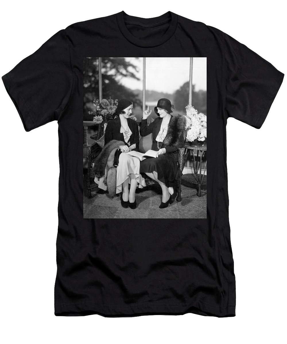 1920s Men's T-Shirt (Athletic Fit) featuring the photograph Two Women Talking by Underwood Archives