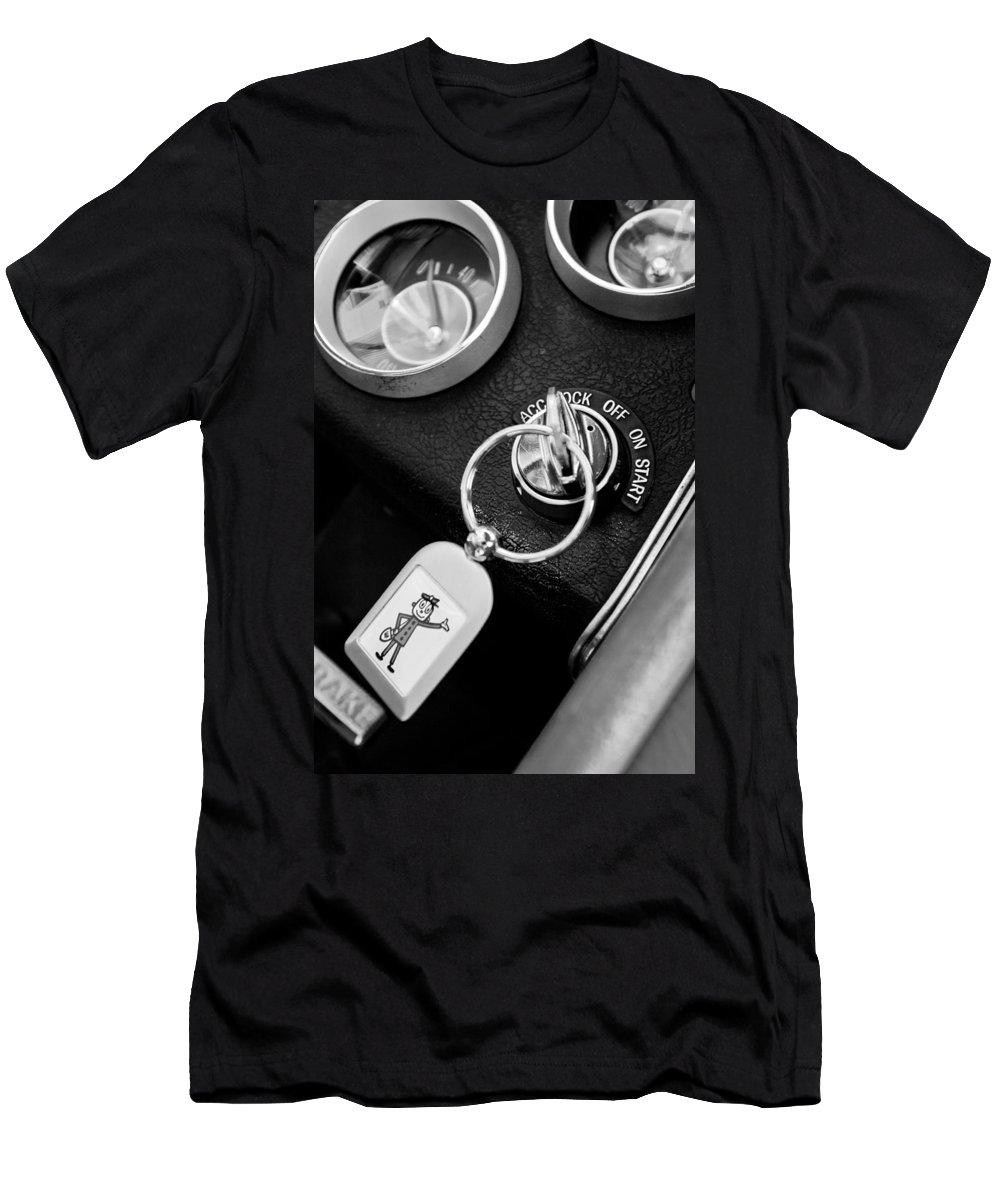 1963 Chevrolet Corvette Split Window - Mr Zip Key Ring Men's T-Shirt (Athletic Fit) featuring the photograph 1963 Chevrolet Corvette Split Window - Mr Zip Key Ring -173bw by Jill Reger
