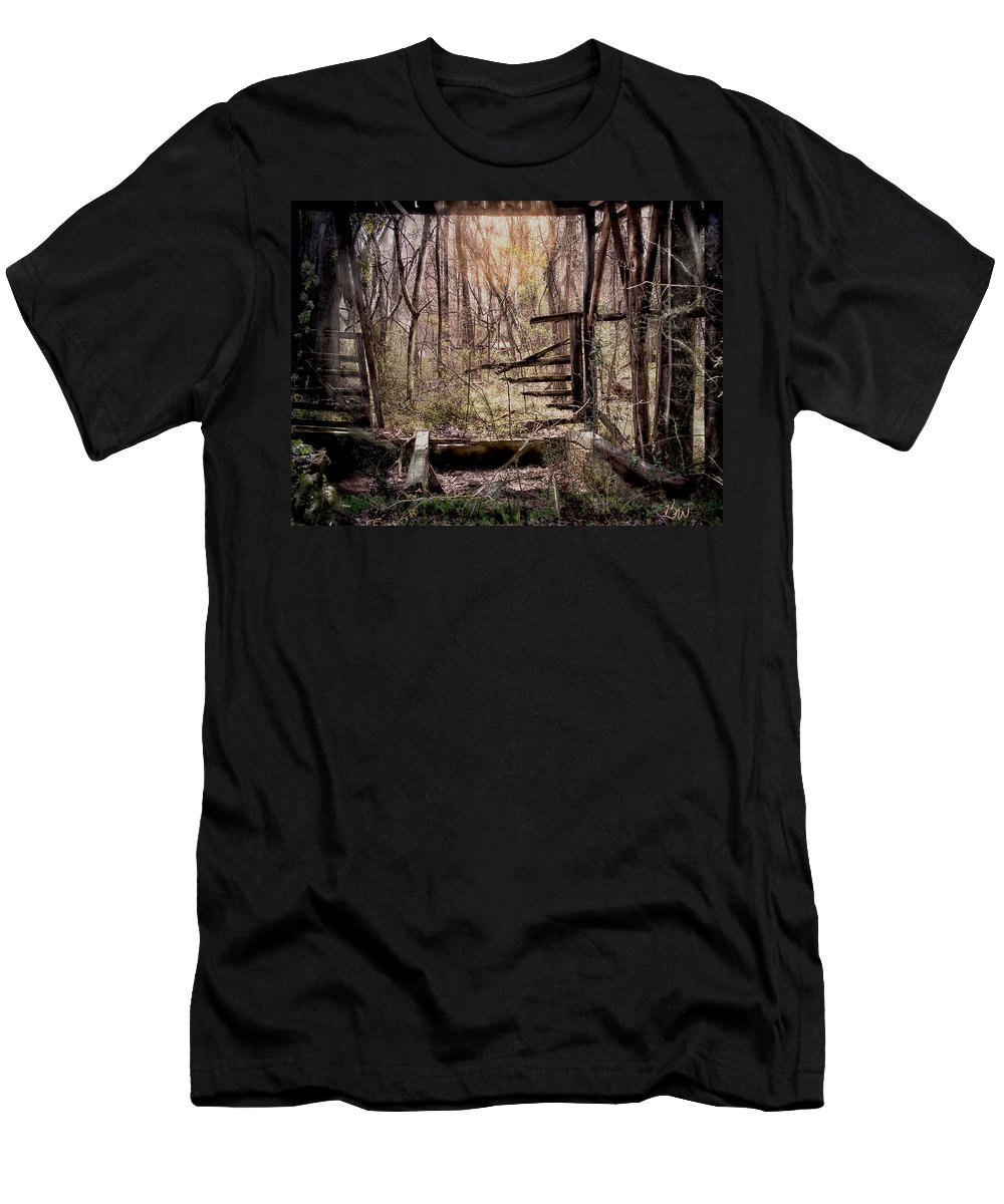 Building Men's T-Shirt (Athletic Fit) featuring the photograph Been There by Bonnie Willis