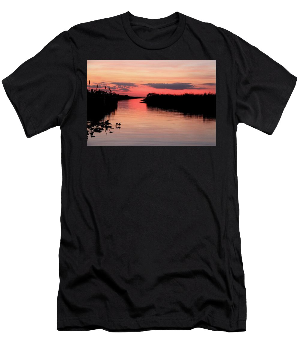 Pink Sunset Water Landscape Nature Spectacular Beautiful Relaxation Peace Ocean Everglades Florida Men's T-Shirt (Athletic Fit) featuring the photograph Seeking The Moment by AR Annahita