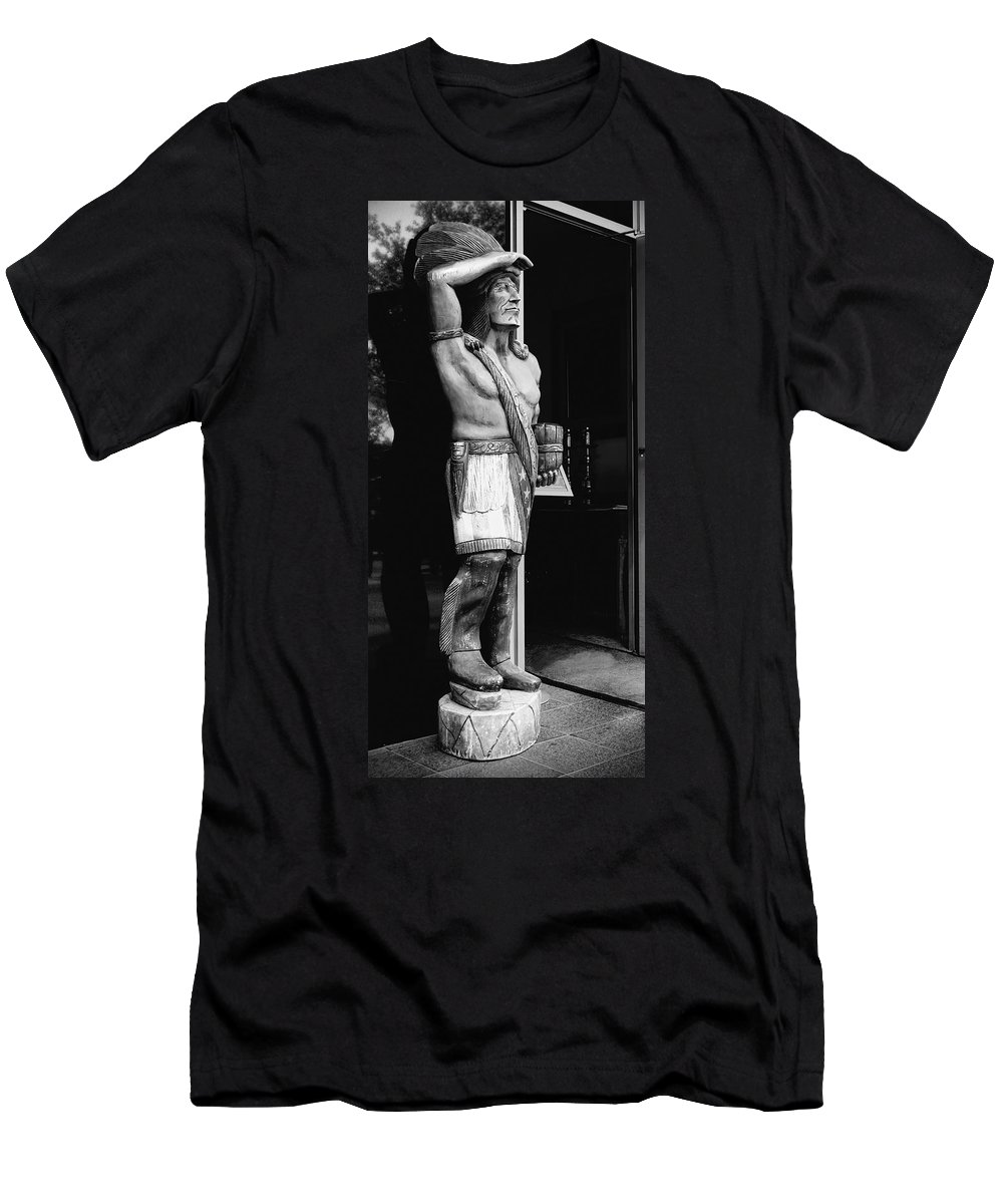America Men's T-Shirt (Athletic Fit) featuring the photograph Tobacco Sign by Rudy Umans