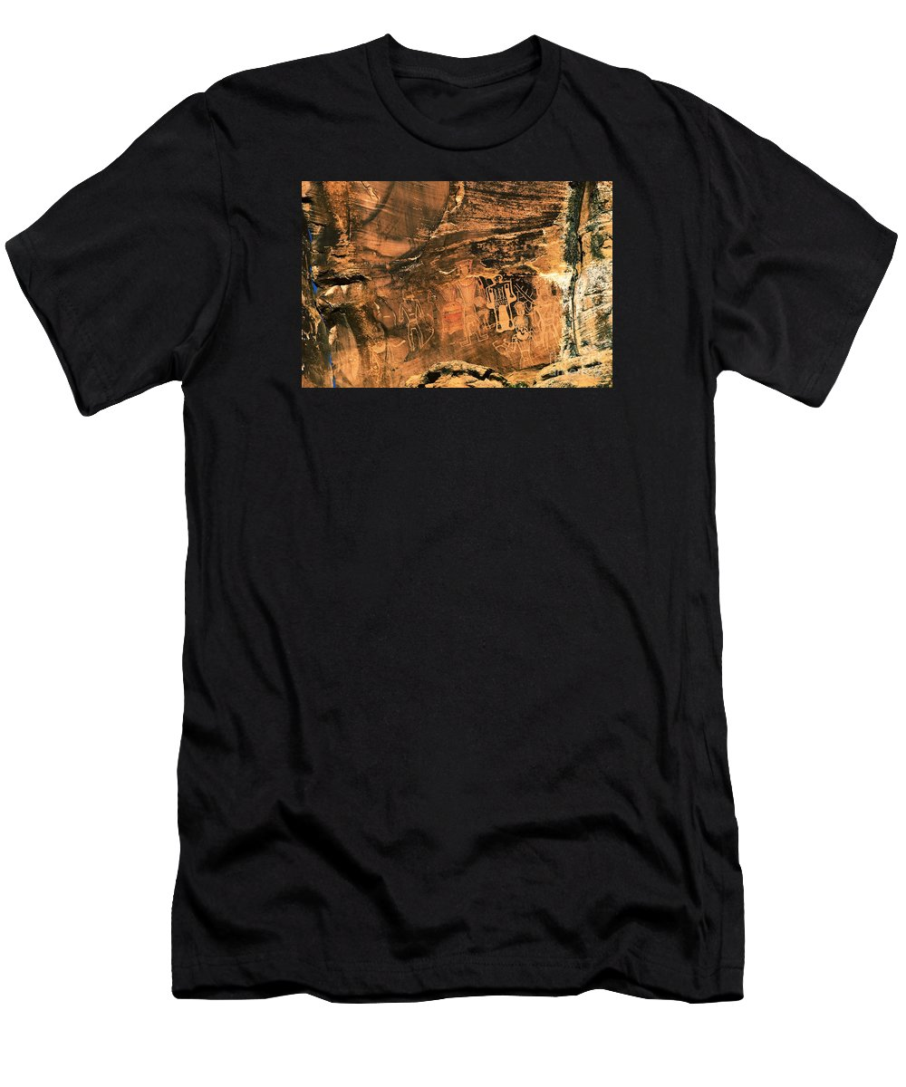 Utah Men's T-Shirt (Athletic Fit) featuring the photograph 3 Kings Rock Art by Thomas Levine