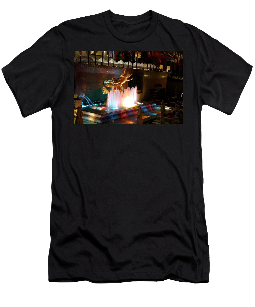 Fountain Men's T-Shirt (Athletic Fit) featuring the photograph 30 Rock Fountain by Larry Jost