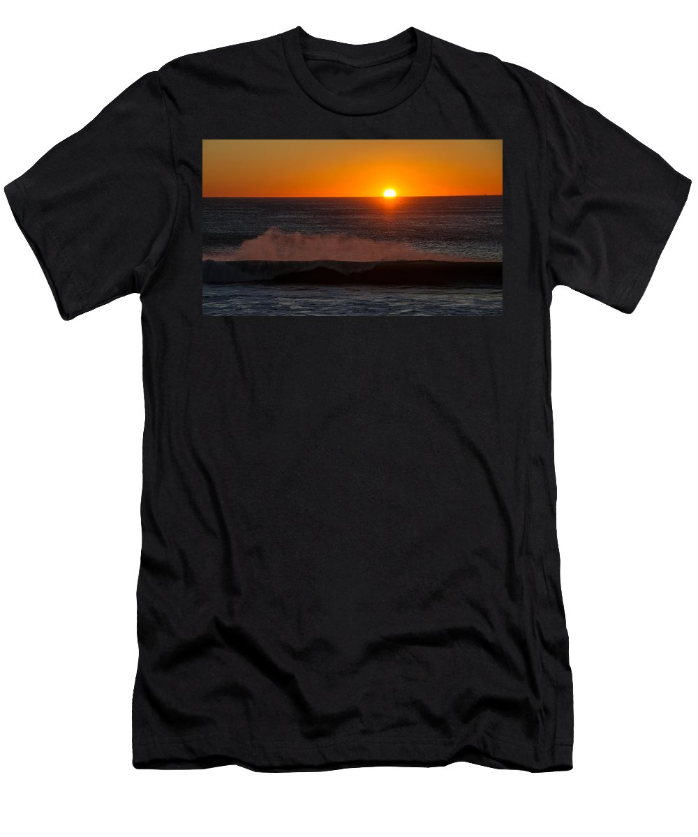 Sunset Men's T-Shirt (Athletic Fit) featuring the photograph A Amazeing Sun Set by Brian Williamson