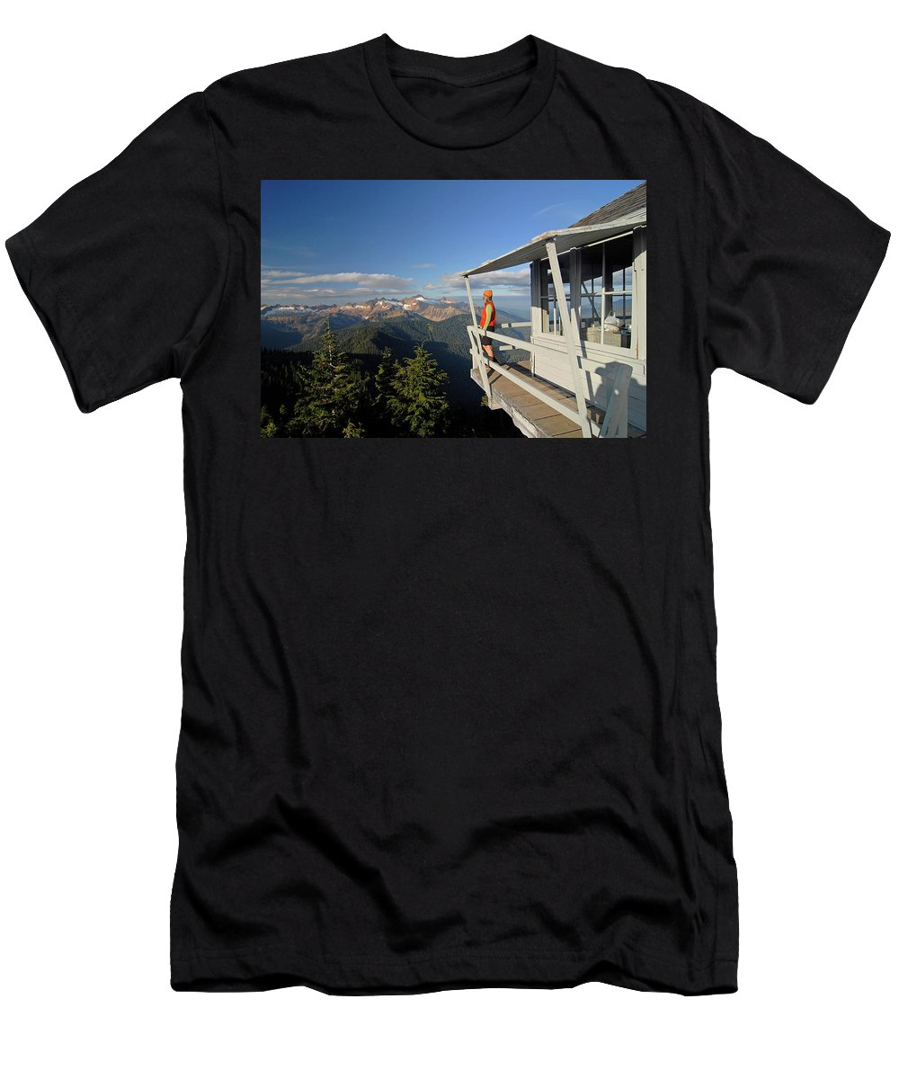 Balcony Men's T-Shirt (Athletic Fit) featuring the photograph A Hiker Enjoys The View by Cliff Leight