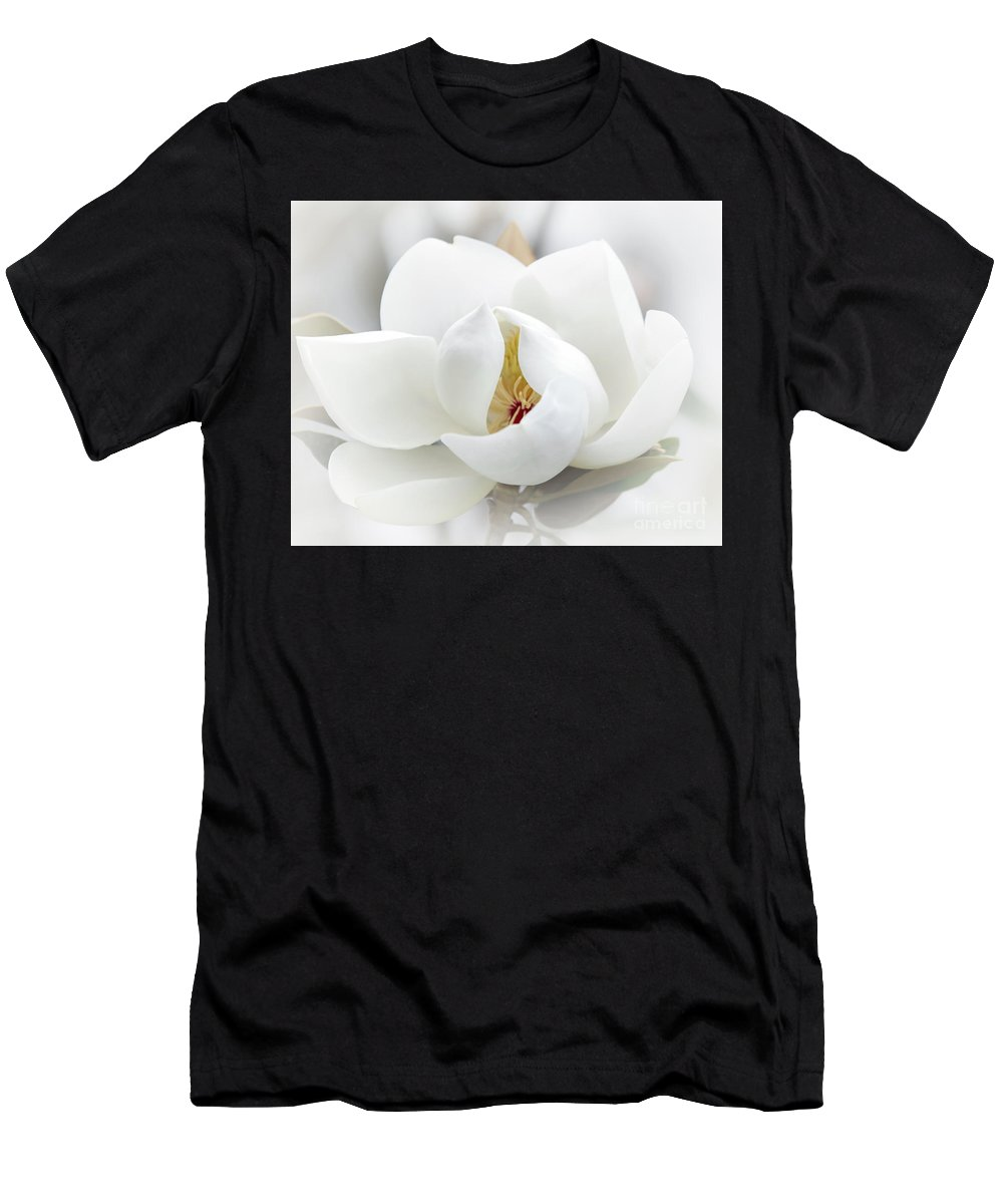 Macro Men's T-Shirt (Athletic Fit) featuring the photograph A Peek Inside by Sabrina L Ryan