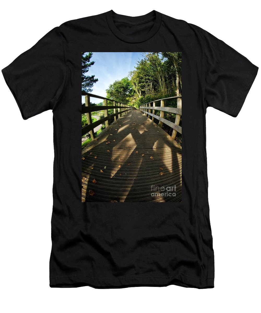 Fisheye Men's T-Shirt (Athletic Fit) featuring the photograph A Scattering Of Leaves by Susie Peek