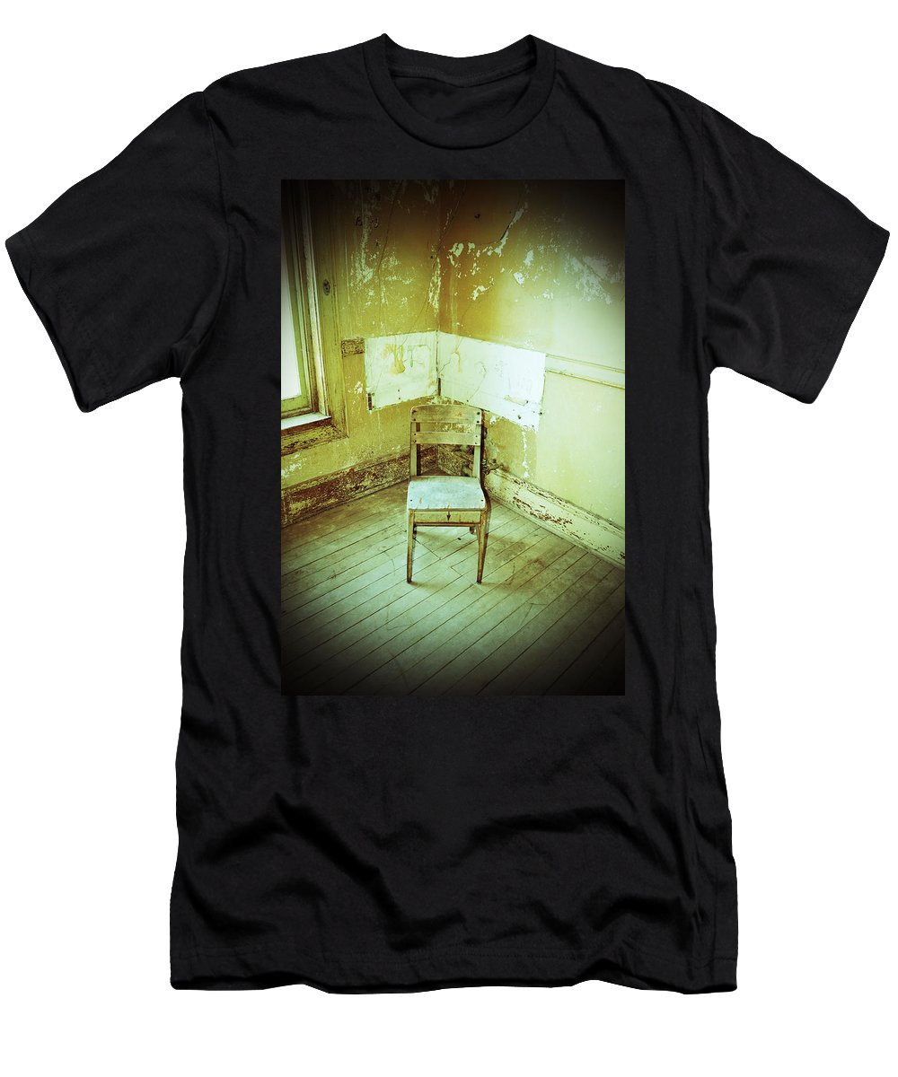 Building Men's T-Shirt (Athletic Fit) featuring the photograph A Small Chair by Holly Blunkall