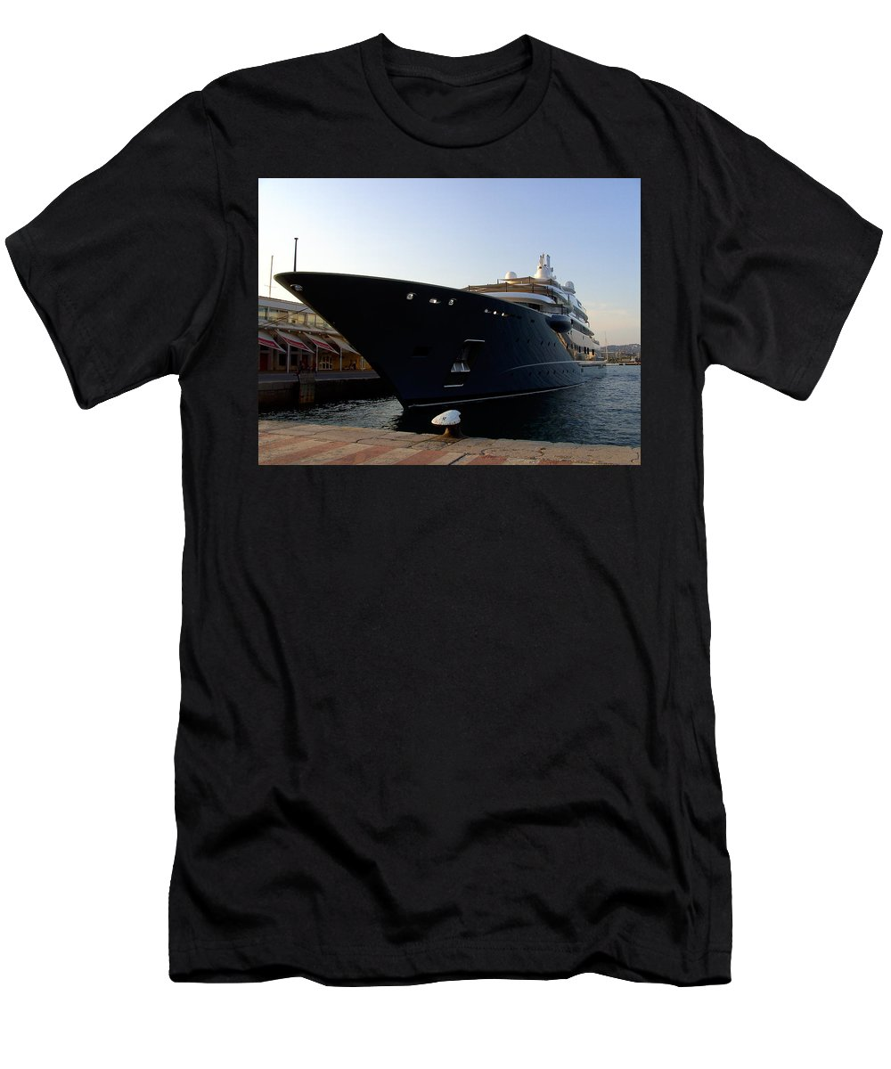 Dockside Men's T-Shirt (Athletic Fit) featuring the photograph A Weekend Boat by Steve Kearns