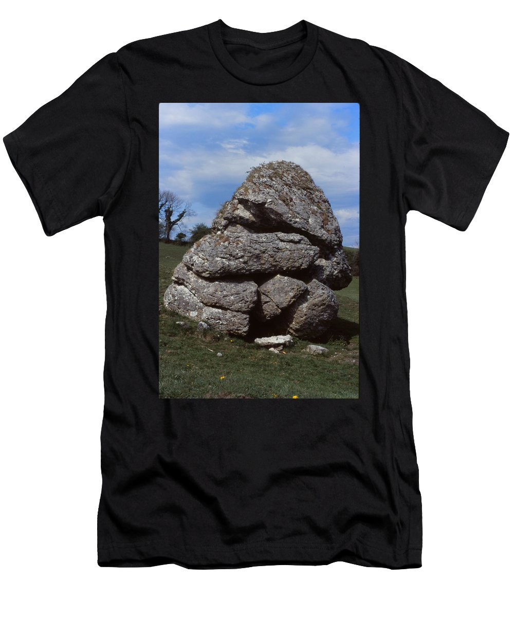 Cat Stone Men's T-Shirt (Athletic Fit) featuring the photograph Aill Na Mireann by Cynthia Wallentine