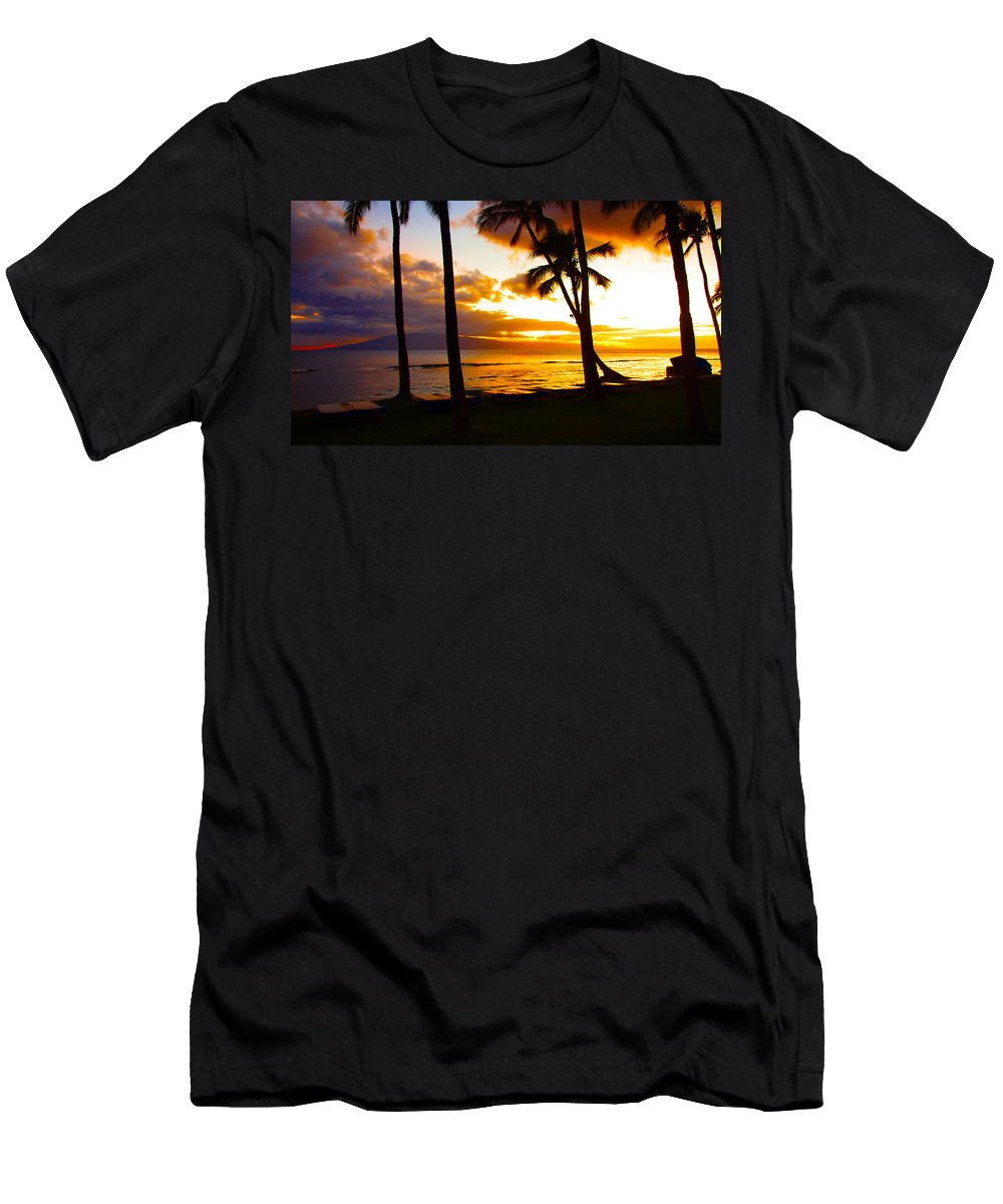 Maui Men's T-Shirt (Athletic Fit) featuring the photograph Another Maui Sunset by John Dauer