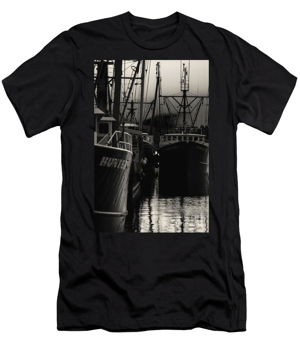 Black Men's T-Shirt (Athletic Fit) featuring the photograph Antsy by Joe Geraci