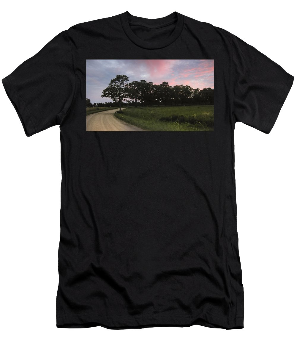 Appleton Men's T-Shirt (Athletic Fit) featuring the photograph Appleton Sunset by David Stone