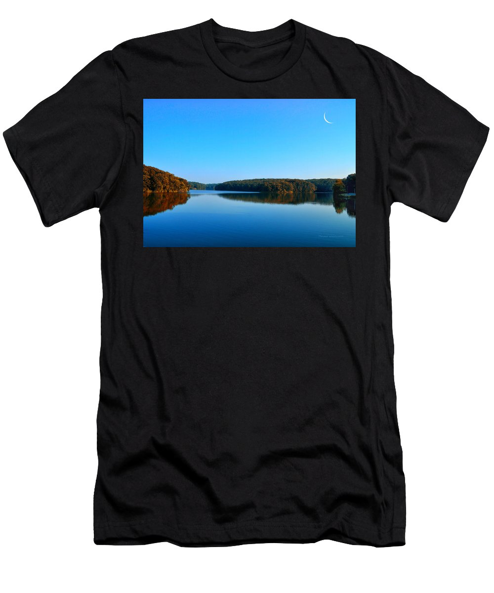 Autumn Men's T-Shirt (Athletic Fit) featuring the photograph Autumn Moon At Argyle Lake by Thomas Woolworth