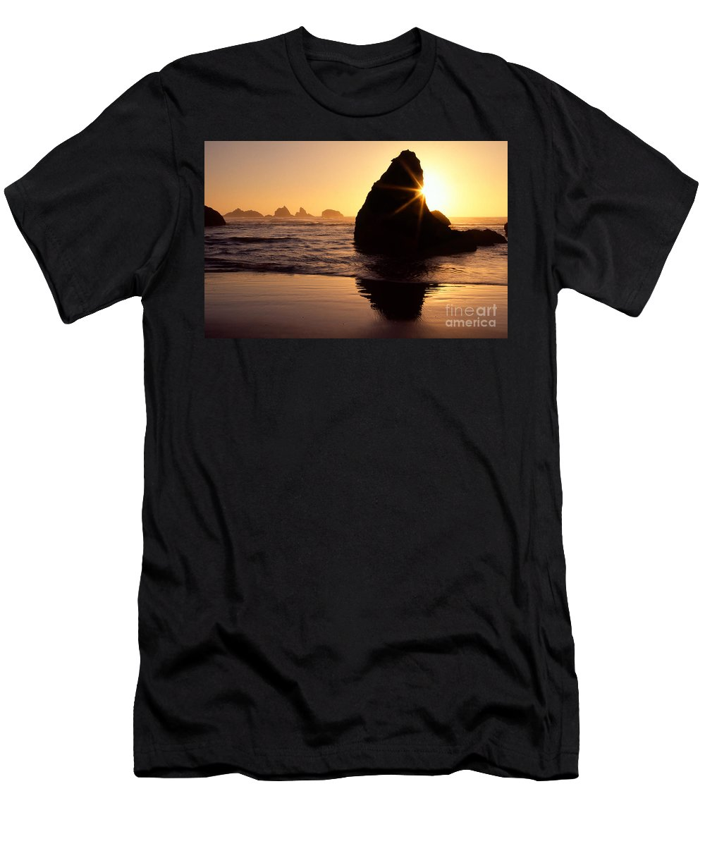 America Men's T-Shirt (Athletic Fit) featuring the photograph Bandon Golden Moment by Inge Johnsson