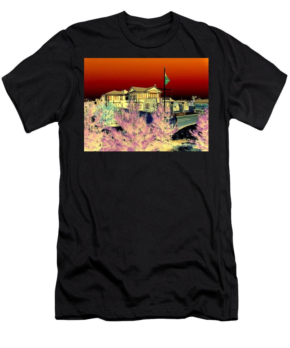 Pop Art Men's T-Shirt (Athletic Fit) featuring the photograph Beach House by Ed Weidman
