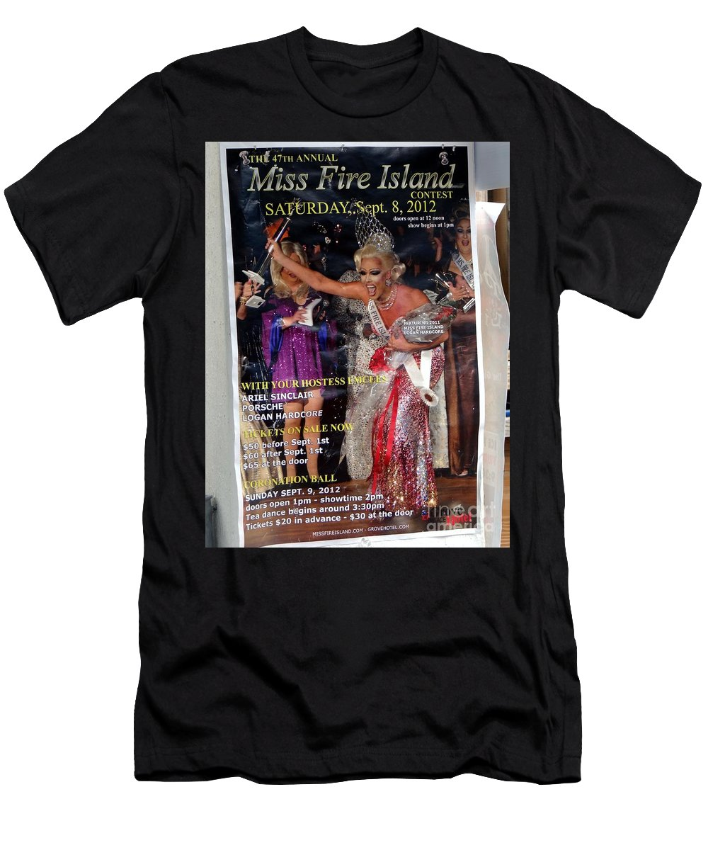 Miss Fire Island Men's T-Shirt (Athletic Fit) featuring the photograph Beauty Queen by Ed Weidman