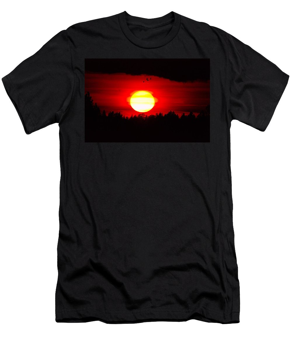Sun Men's T-Shirt (Athletic Fit) featuring the photograph Bedazzled by Jeff Swan