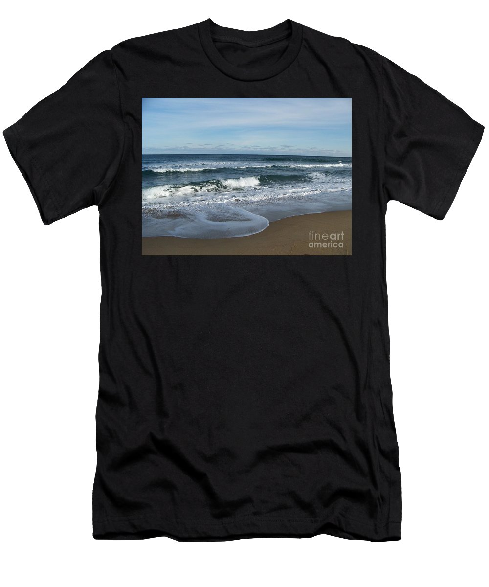 Digital Picture Frame Streaming Men's T-Shirt (Athletic Fit) featuring the photograph Winter Beach by Eunice Miller