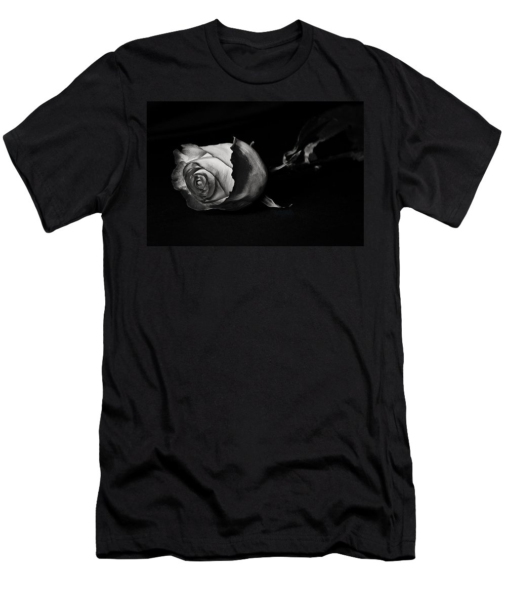 Rose Men's T-Shirt (Athletic Fit) featuring the photograph Bloodless Rose by Vanessa Valdes