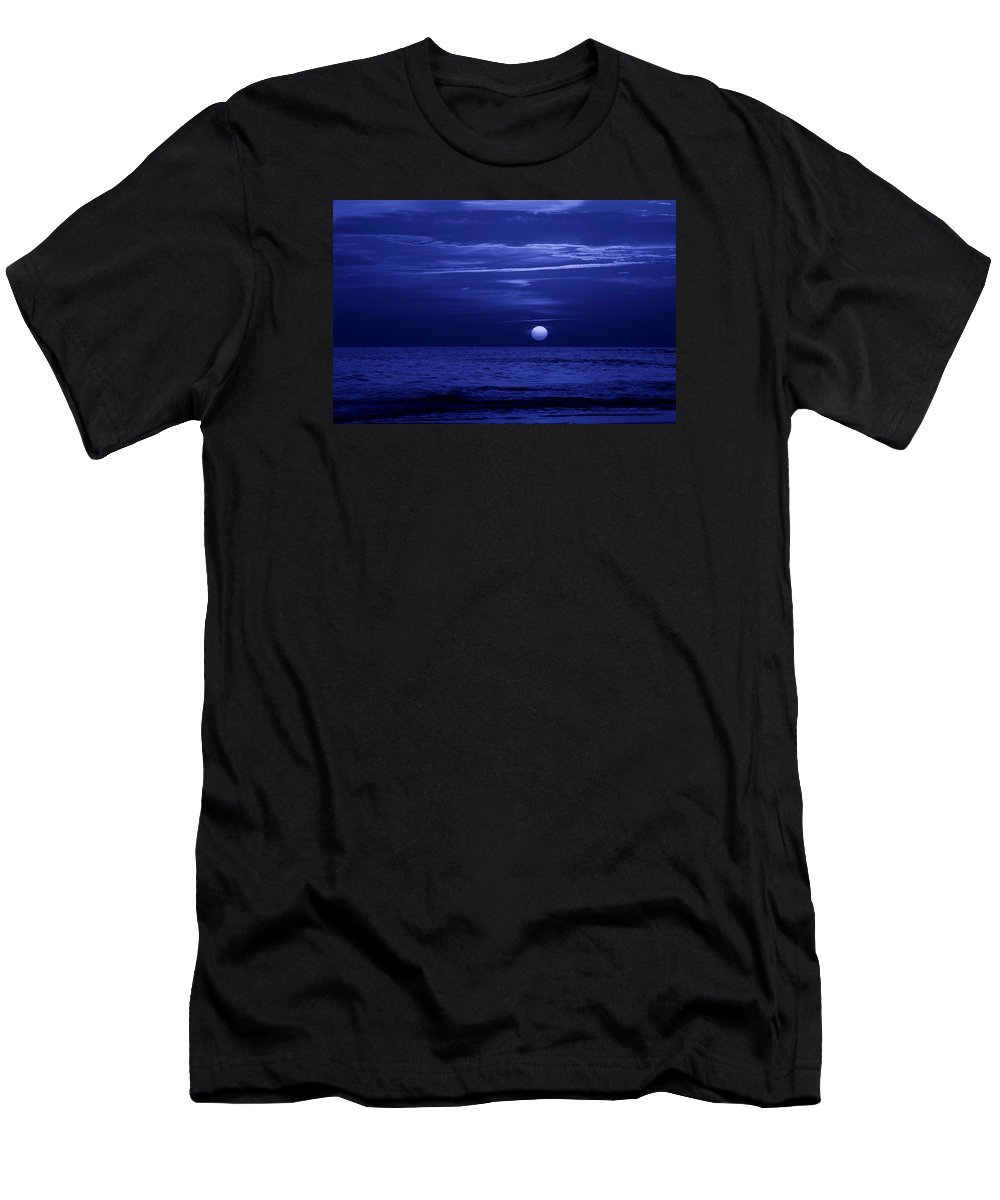 Panama City Beach Men's T-Shirt (Athletic Fit) featuring the photograph Blue Sunset by Sandy Keeton