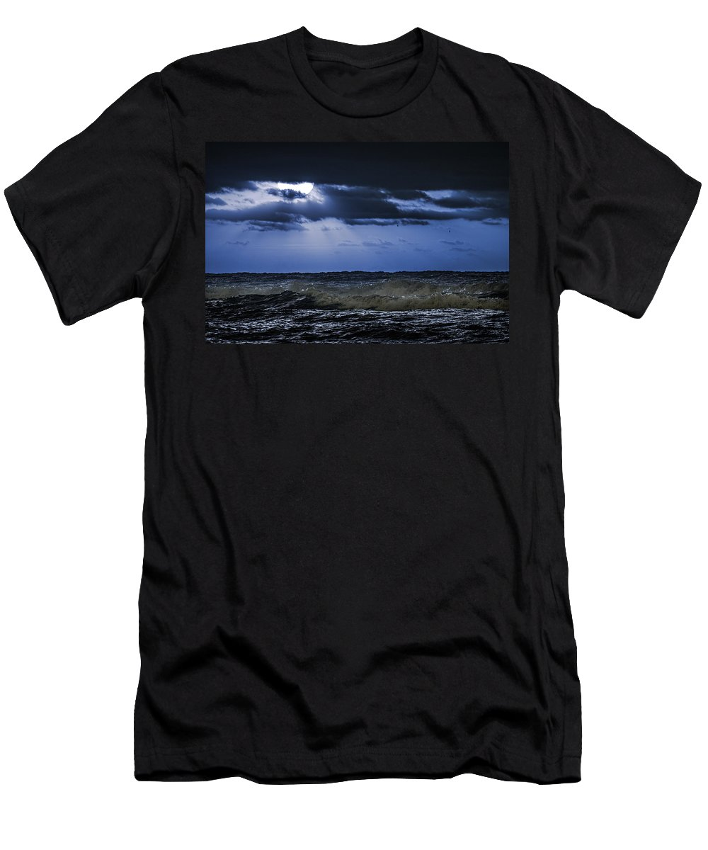 Alabama Men's T-Shirt (Athletic Fit) featuring the digital art Blue Waves by Michael Thomas