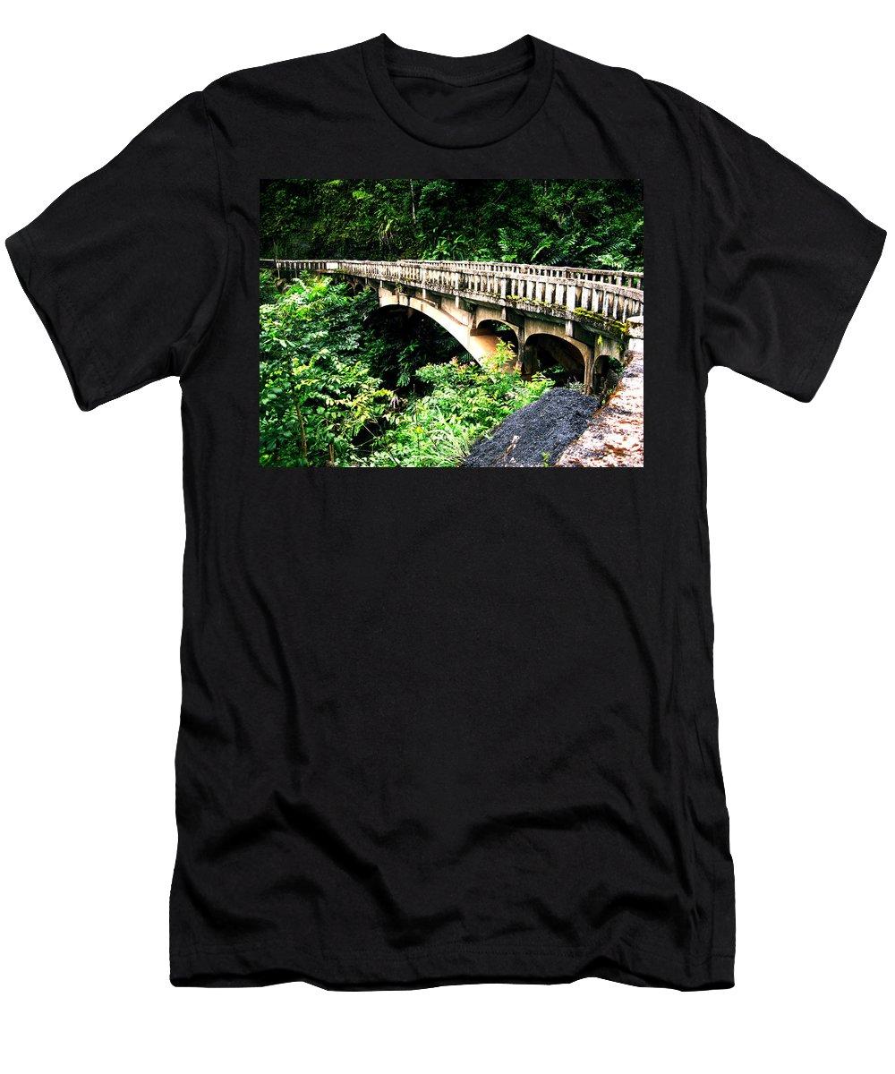 Hawaii Men's T-Shirt (Athletic Fit) featuring the photograph Bridge To Hana Maui by Carlene Salazar