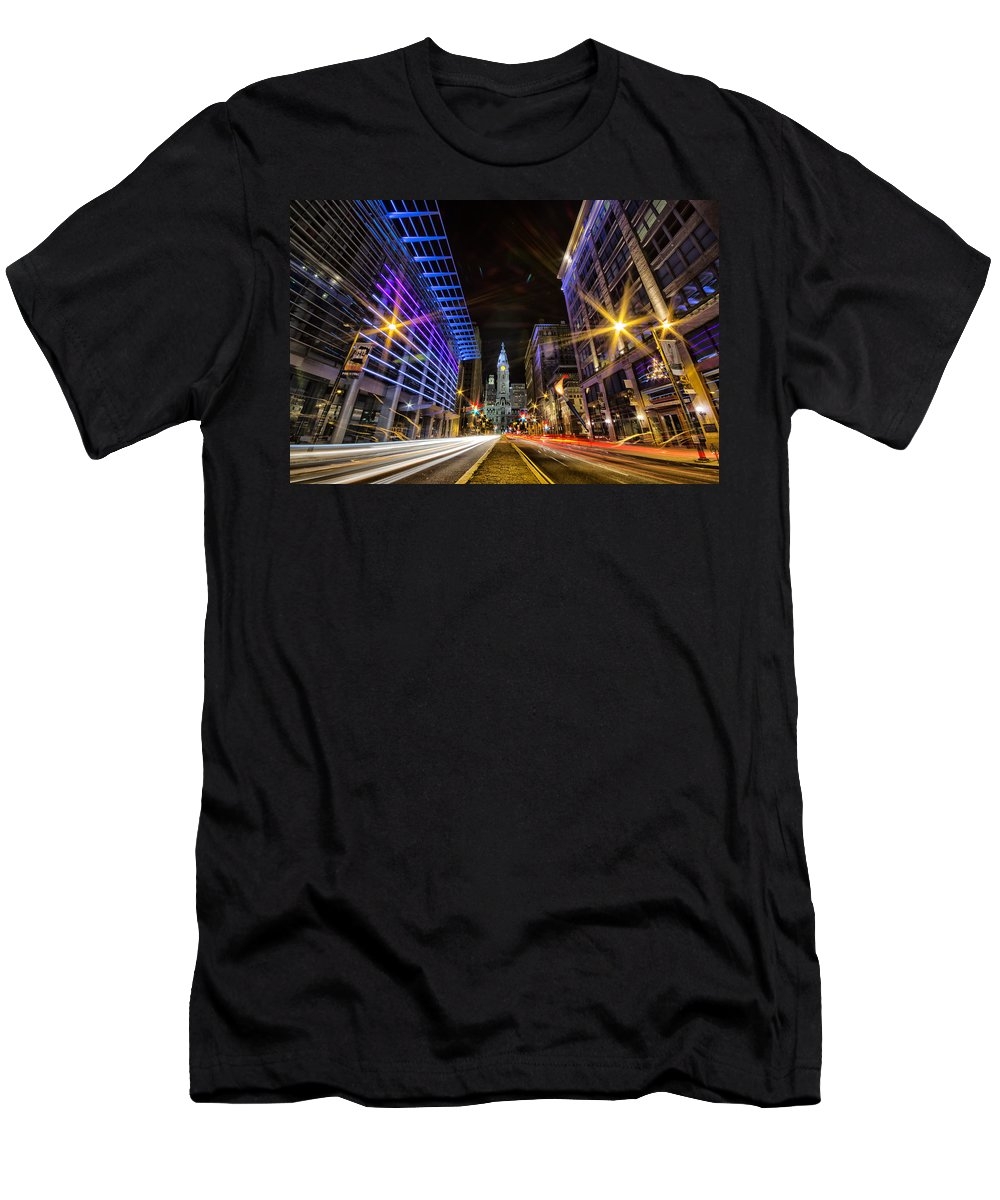 Pa Men's T-Shirt (Athletic Fit) featuring the photograph Broad Street North by Raymond Skwire