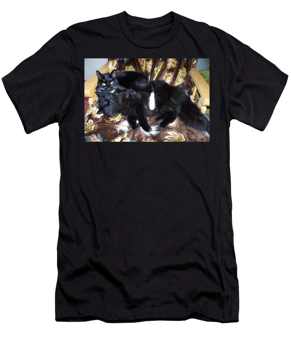Cats Men's T-Shirt (Athletic Fit) featuring the photograph Brotherly Love by Lisa Wormell